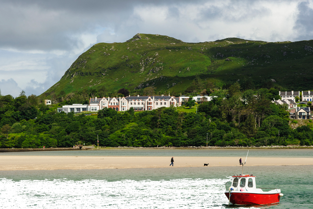 Pet Friendly Holidays Mulranny beach Mayo © Failte Ireland