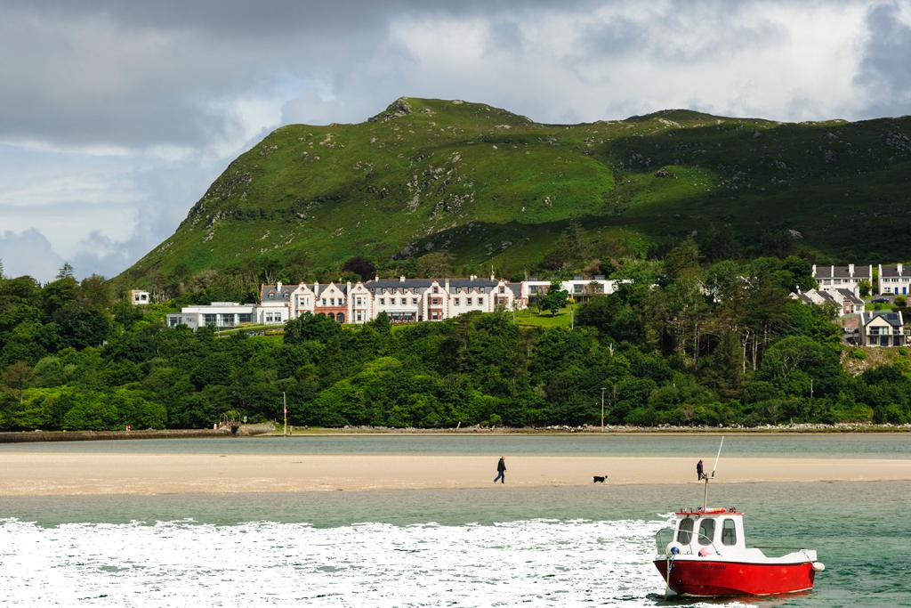 Pet Friendly Holidays Mulranny beach Mayo © Failte Ireland