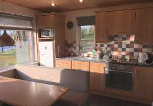 kitchen of lakeshore cottage