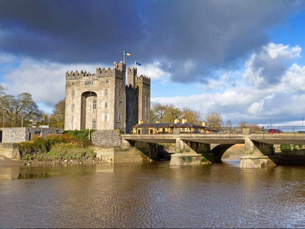 Holiday Accommodation beside Bunratty Castle County Clare