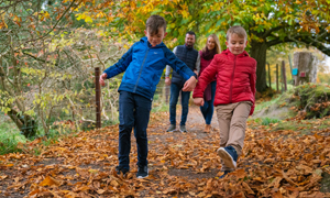 BBook direct and get 15% off an autumn self catering holiday in Ireland © Family in Russborough House Blessington - Tourism Ireland